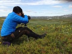 Pia filmar blommor