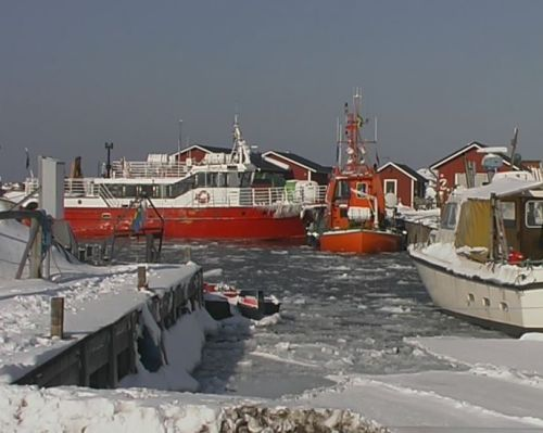 Västerhamn i vinterskrud