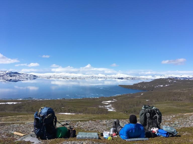 Lunchpaus norr om Stáloluokta, filminspelning av Samefolk sommaren 2017