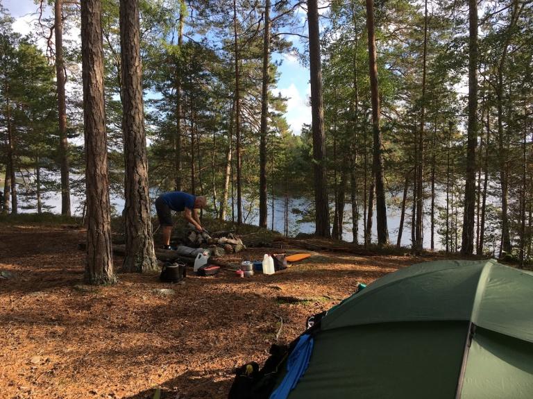 Lägerplats vid Kvarnsjön längs Sörmlandsleden